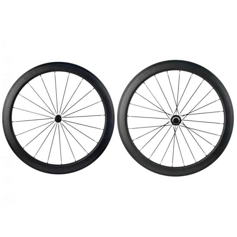 roue carbone pneu